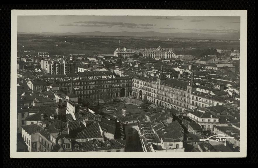 Vista panorámica de la Plaza Mayor y Palacio Real